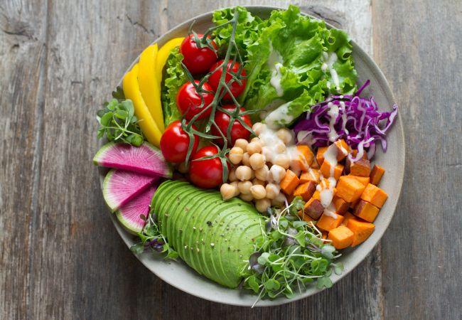 Jak się odżywiać żeby schudnąć? - Na pytanie odpowiada Agnieszka Kuczewska | Mangosteen